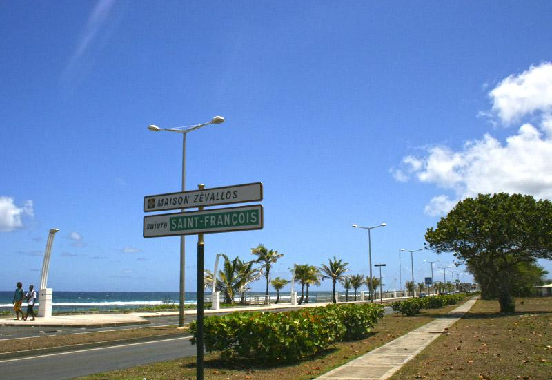 The Maritime Boulevard of the town of Le Moule is a privileged place to walk