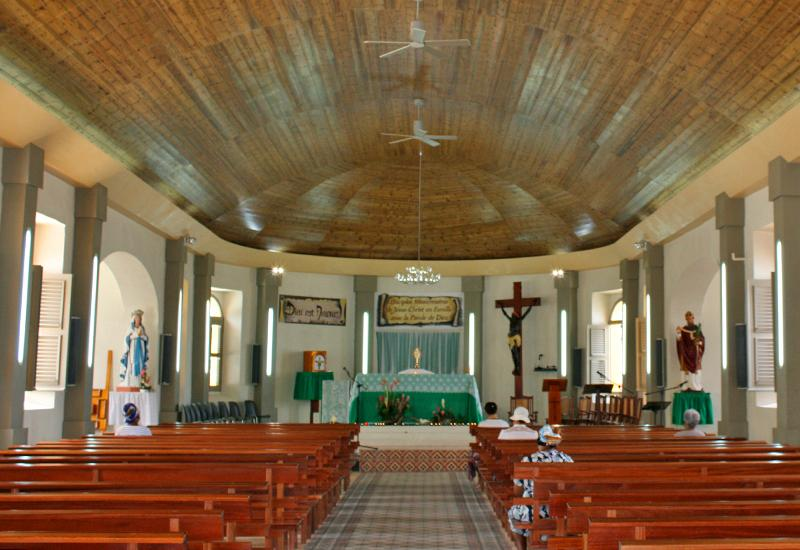 Guadeloupe, town of Anse-Bertrand, Saint-Denis Church, the nave