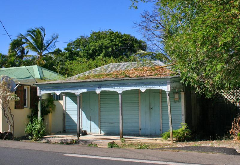 Typical houses - Anse-Bertrand: simple, with awning