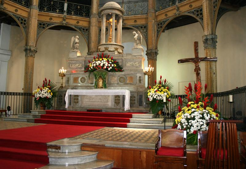 St. Peter and Paul Church, choir and its marble altar
