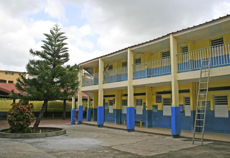 St. Joseph of Cluny Externat - Pointe-à-Pitre in Guadeloupe. Classroom