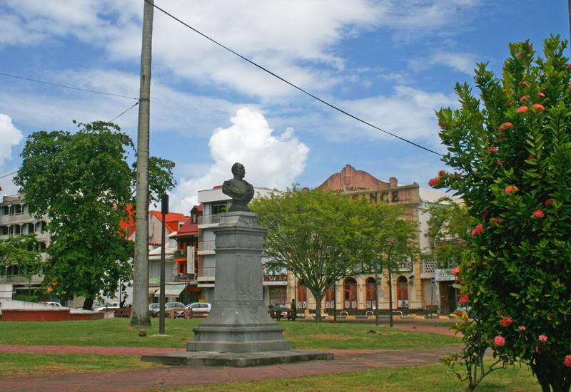 Bust of General Frébault - Pointe-à-Pitre, Guadeloupe. Facing the harbor, facing the sea