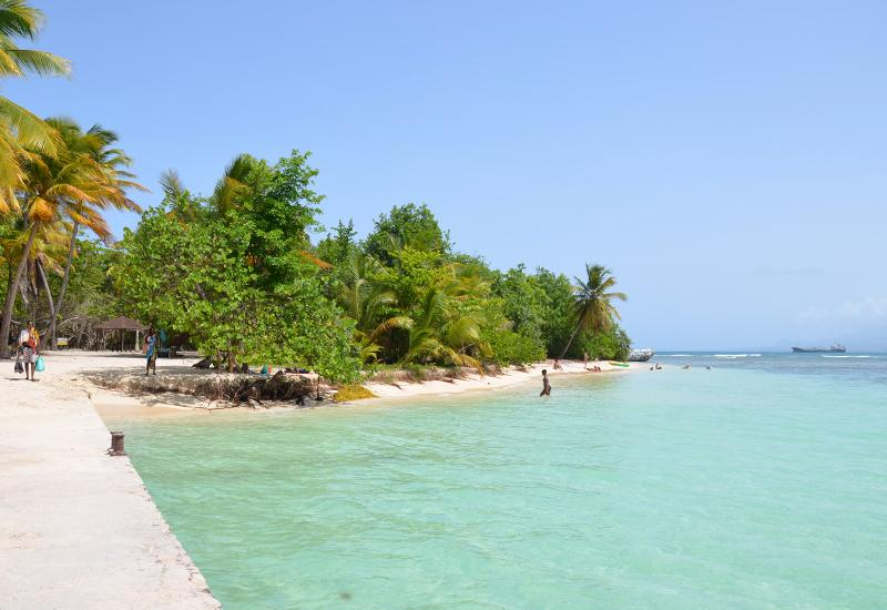 Ilet du Gosier: turquoise water and sandy beach