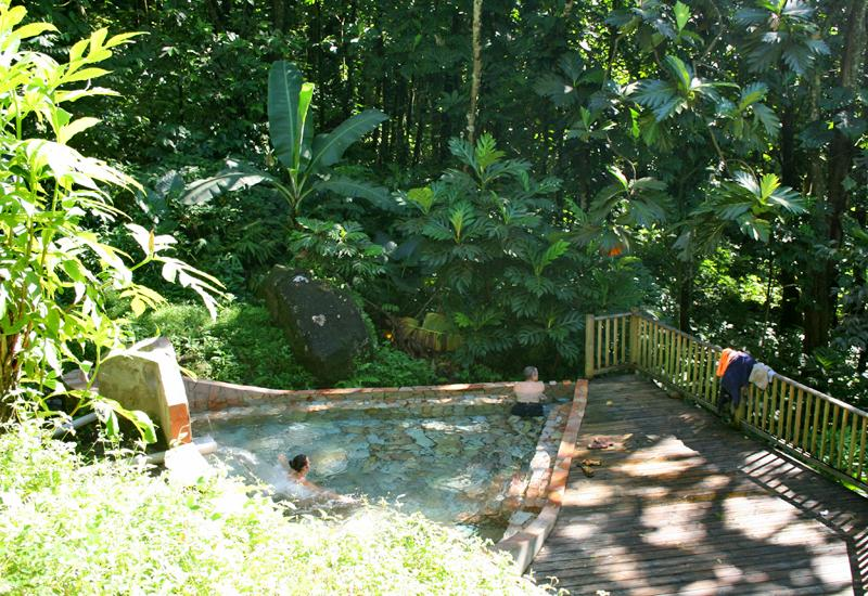Bain des amours, Gourbeyre. Relaxation break in the heart of nature
