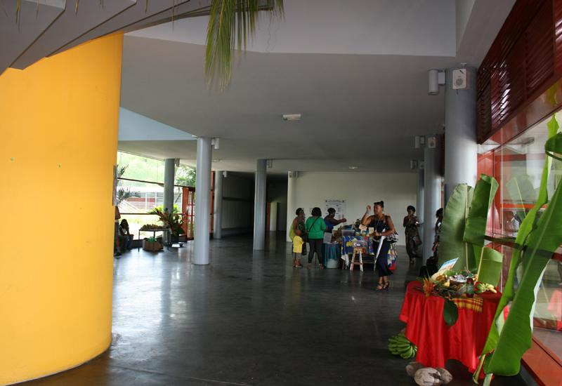 Palais des Sports - Le Gosier: entrance hall