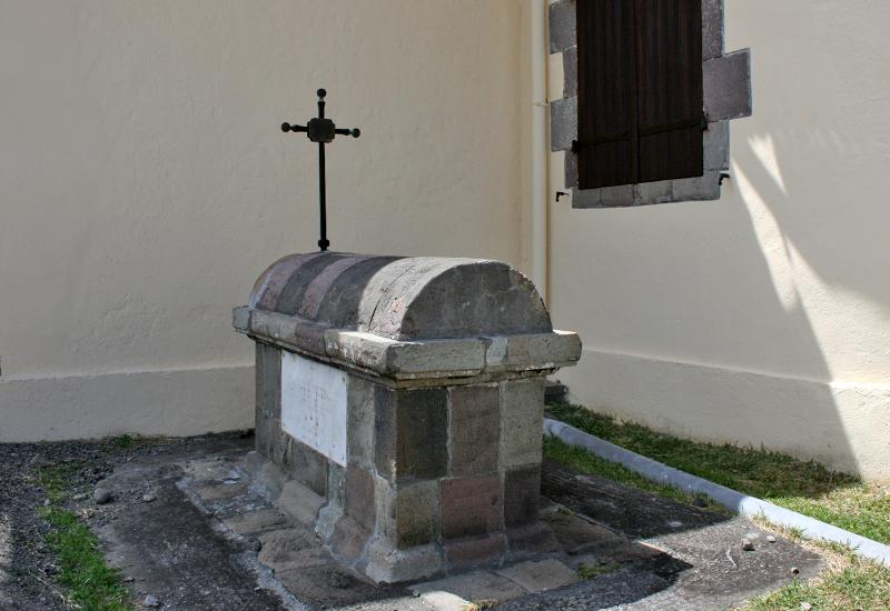 Vieux-Fort, St. Albert Church, Father Seron's tomb