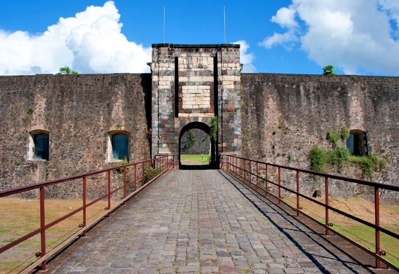 Fort Delgrès - Basse-Terre in Guadeloupe: entrance porch