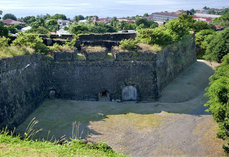 Fort Louis Delgrès. Enclosure wall