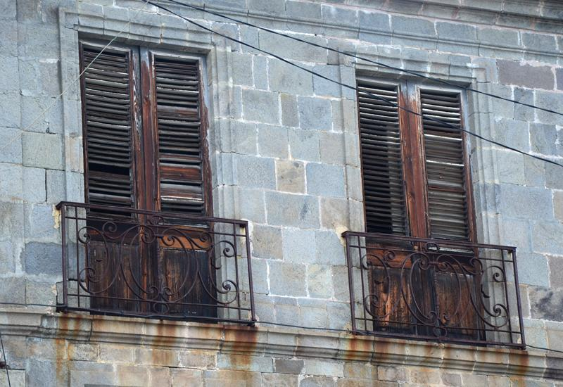 Basse-Terre, Maison Chapp: French windows, wrought iron balconies