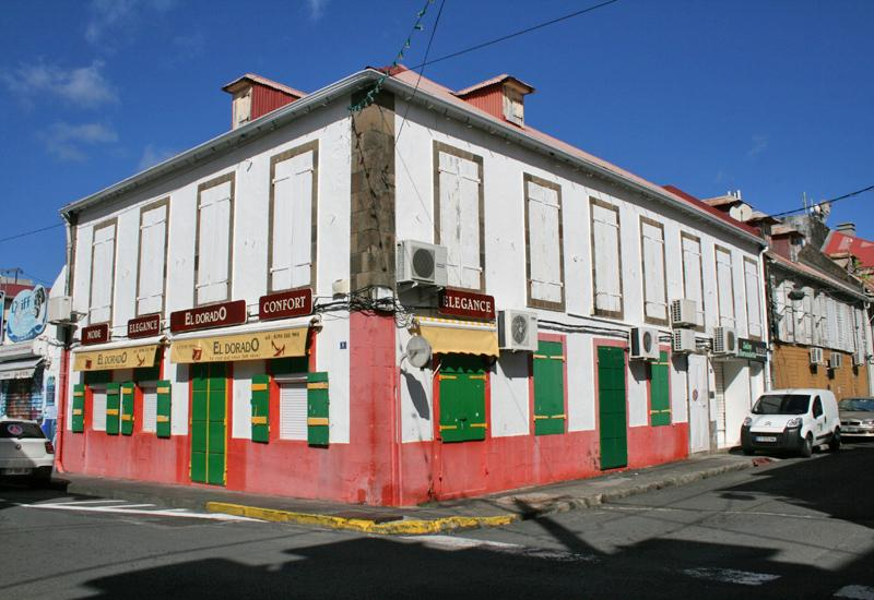 Typical houses - Basse-Terre: Paul Baudot street