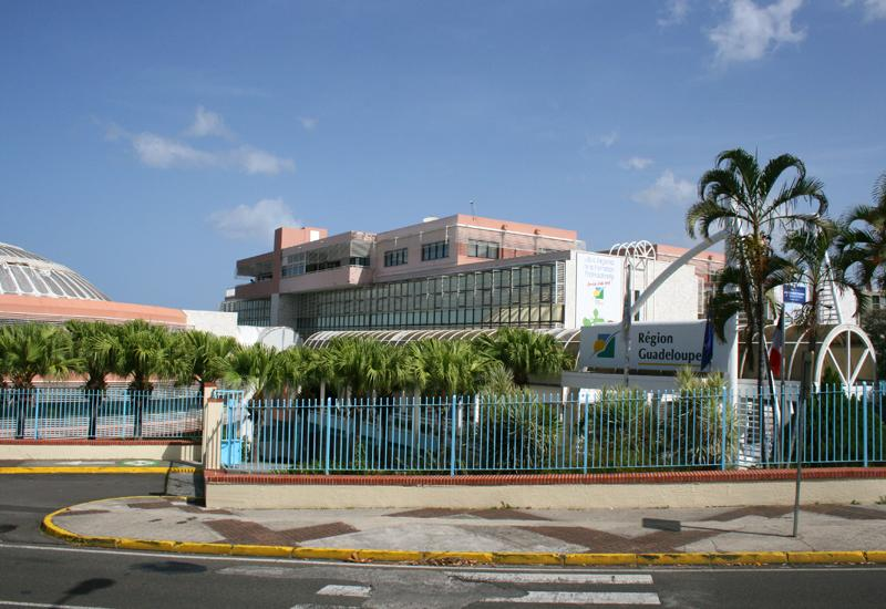 Regional Council of Guadeloupe - Basse-Terre: facade Avenue Paul Lacavé