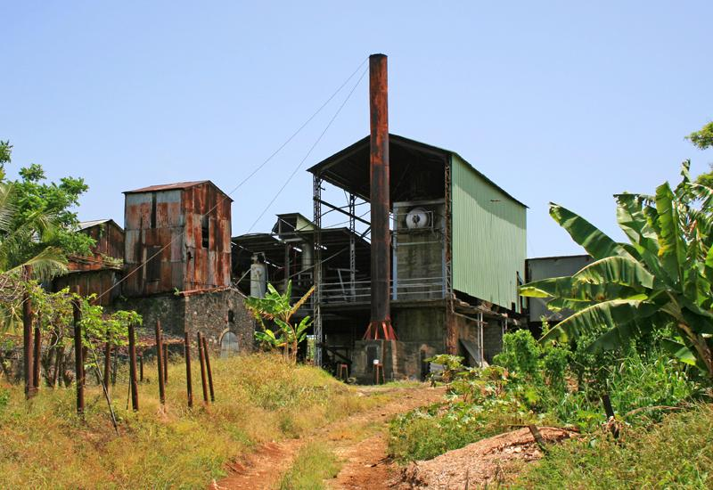 Domaine du Marquisat de Sainte-Marie: building of the sugar factory-distillery and the factory