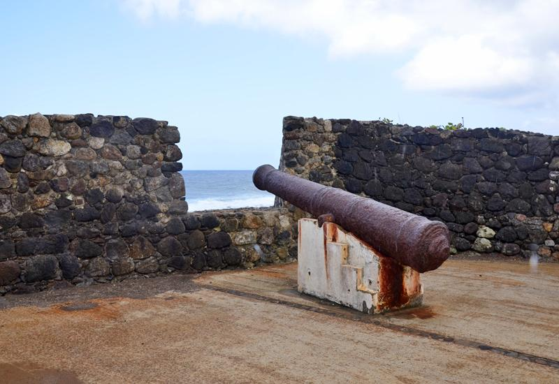 Grande Anse battery, only one gun remains
