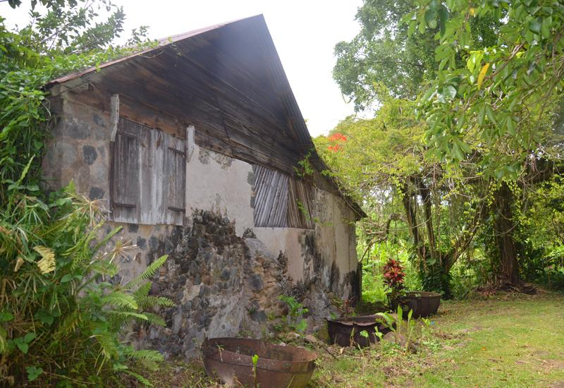 Habitation-sucrerie du Petit Carbet. Very steep roof, running in the south Basse Terre and leeward coast (Côte sous-le-vent)