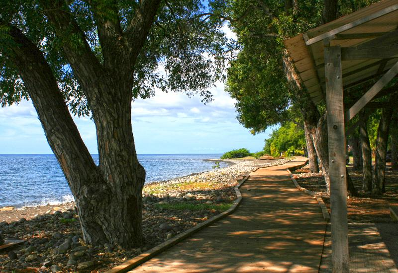 Plage Simaho, Vieux-Habitants: small walk by the sea